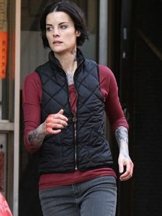 Jamie Alexander is a renowned actress, she has achieved reputation and appreciation by giving many hit movies and TV shows. She wore this vest in Blindspot American Drama Series. #jaimiealexander #blindspot #vest #tvshow #dramavest #actress #dramaseries #celebrity