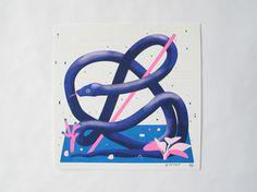 Description #white #pink #print #snake #purple #blue