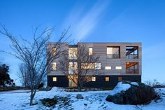 Rhode Island Retreat Designed to Serve as a Hub for Family and Friends 12