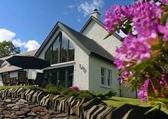 Large Group Accommodation in Scotland - Cruach Dubh Cottage, Craigton Cottages
