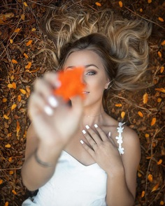 Vibrant Beauty and Lifestyle Portrait Photography by Manny Perez