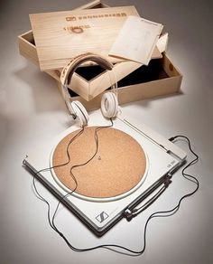 Sustainable Turntable by Matthew Lim | Colorcubic #sustainable #vinyl #turntable #audio