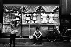 Photography by Turodrique Fuad #inspiration #white #black #photography #and
