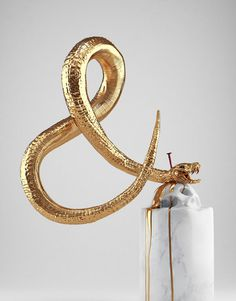 Hedi Xandt - Gold Sculpture
