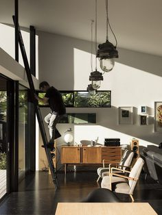 Modern Steel-Framed Home With Extensive Views Over Auckland 5