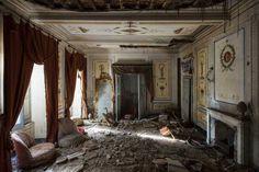 Nicola Bertellotti Explores Fascinating Abandoned Castles Across Europe