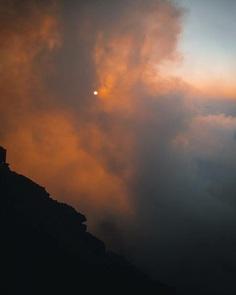 Oliver Arlart Climbs Stromboli Volcano to Capture Spactacular Lava Flow