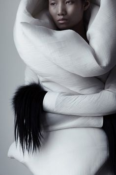 Qiu Hao F/W 2011 Serpens on the Behance Network #white #matthieu #hao #black #belin #photography #and #fashion #qiu