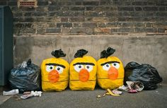 Hubbawelcome! #sesame #stree #berny #photo #yellow #idea #trash #garbage