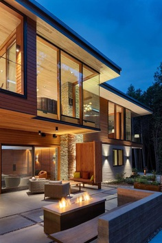 Split-Level House Featuring an Elegant Composition Petaluma Residence 12