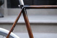 Woodgrain bike frame in defringe.com #frame #design #defringe #woodgrain #wood #product #bike
