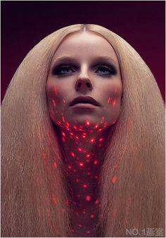 【摄影欣賞】巴黎光影时尚美女摄影 Ludovic Taillandier NO.1画室 . #projection #taillandier #speckled #lights #portaits #lighting #ludovic #beauty