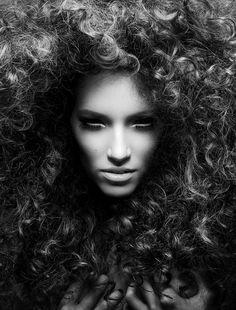 Красивый эдиториал от Decker+Kutic #model #girl #photography #portrait #fashion #beauty