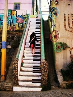 to those who will see, the world waits. #wheels #piano #steps #graffitti #colors #art #street #music #walking