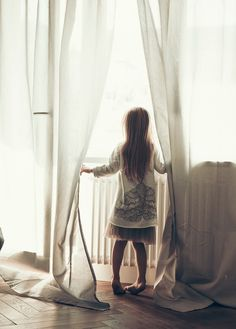 kids5 Kids on the moon, ropa para niños romántica y bonita desde Polonia #daylight #girl #photo #butterfly #window