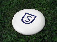 Skarpa on the Behance Network #urban #sun #golf #sport #yoyo #city #park #shield #disc #emblem #frisbee #trees
