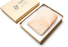 SLIM CARD CASE (NATURAL LEATHER) | Ugmonk #wallet #packaging #ugmonk #ampersand #product #photography #leather