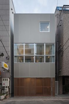 House in Ningyo-cho by K+S Architects