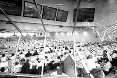 a12_06900563.jpg (JPEG Image, 990x666 pixels) #control #apollo #space #center
