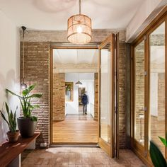 XX Century Patio-Apartment Refurbished and Adapted to Mediterranean Climate in Barcelona 8