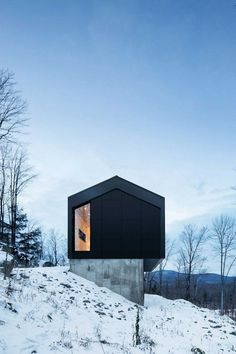 Quebec Country House Consisting of Two Stacked Volumes 3