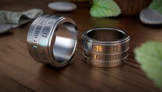 Ring Clock gives you the power to tell time, nearly at the tip of your fingers.