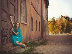 Female Portraits by Nikolay Tikhomirov