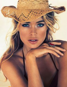 Doutzen Kroes #model #girl #campaign #photography #portrait #fashion #editorial #beauty