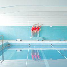 swimming trinity photography by maria Svarbova design inspiration mindsparkle mag blog