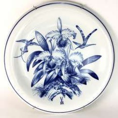 The largest plates of the porcelain manufactory Meissen: decor in blue painting (Kolibri and Catleia), Ø 48 cm, 1. Choice, around 1900. #porcelain