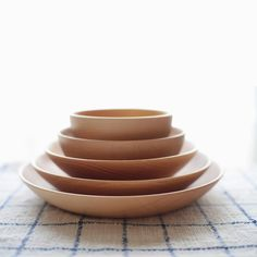 Cara Dish and Bowl by Ono Rina #minimalist #design #minimal