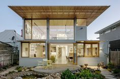 Carnegie Gallery House by Zen Architects