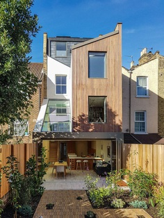 Dusheiko House: Victorian Terrace House Remodeled in North London