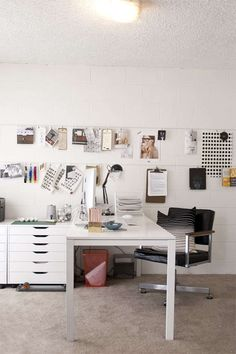 Spaces // Lindsay Stetson Thompson | Eva Black Design #homeoffice #office #space #work