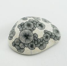 Pierres Graphiques by Yoran Morvant - Ashes & Milk #illustration #handdrawn #stone