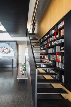 The Art Collector Penthouse / Pitsou Kedem