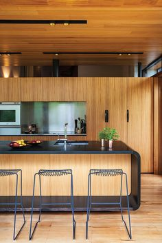 Marine Parade House – Cedar-Clad Home