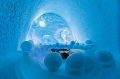 Art suite with ice decoration in ICEHOTEL