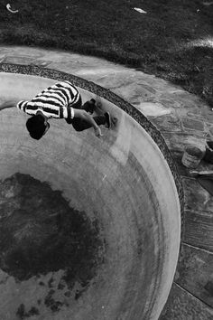 burchase #photography #pool #black and white #skate #bowl