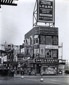 NEW YORK (1935-38) | InspireFirst #billboard #advertising #photography #vintage #signage #50s #typography