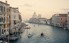 Annie Schlechter #venice #photography #italy