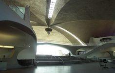 TWA(6).jpg (JPEG Image, 900x569 pixels) #saarinen #interiors #architecture
