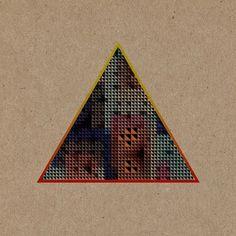 20111015-194706.jpg (640×640) #halftone #triangle #pattern