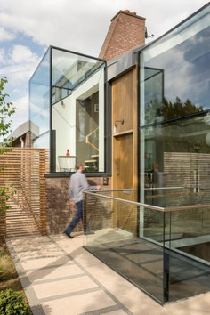 Woodhall Drive House / Syte Architects