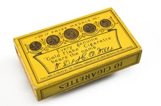 Packet of 10 'Gold Flake' cigarettes, England, 1910-1939 | Science Museum Group Collection
