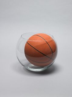 Goldfish Bowl & Basketball : Daniel Eatock