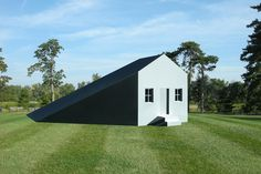 michael jantzen manipulates house based on projected shadows #home