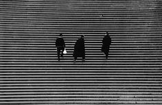 tumblr_kvoxezQnbo1qzs56do1_500.jpg 500×326 pixels #photography #white #steps #black
