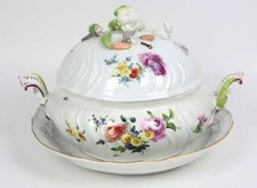 Meissen, Princely Rococo tureen to 1760/65 #Sets #Teasets #Porcelainsets #Antiqueplates #Plates #Wallplates #Figures #Porcelainfigurines #porcelain