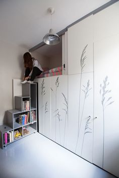 Tiny apartment in Paris  KitoKo Studio transform 8 square meters - www. homeworlddesign. com (2)
